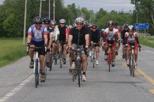 cycliste-plus-près-300x277